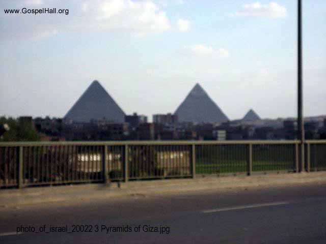photo_of_israel_20022 3 Pyramids of Giza.jpg