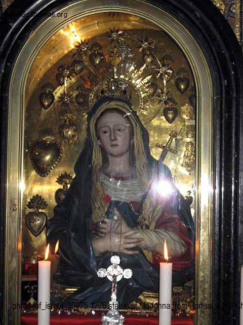 photo_of_israel_30075 1778 statue of Modonna from Portual in the Church of the Holy Sepulchre.jpg